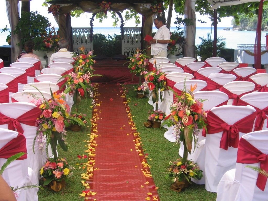 Outdoor wedding decoration ideas party ideas for Wedding decoration images